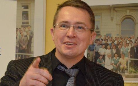 Roman Šmucler je znám jako televizní moderátor.