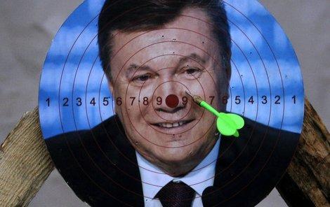 Ukrajinci vyhlásili hon na Janukovyče.