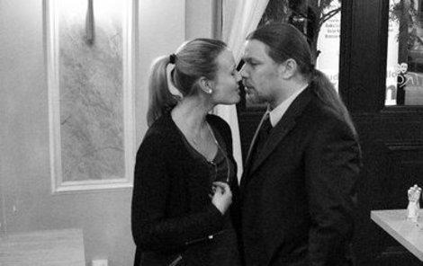 Kolář a Pavelková něžnými doteky nešetřili.