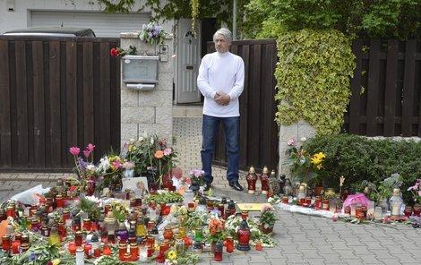 Josef Rychtář čeká na kondolence.