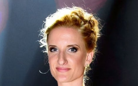 Adela Banášová (33) na svou spolupráci s lichvářskou firmou pyšná není.