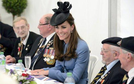 Mezi veterány se mladá vévodkyně dobře bavila.