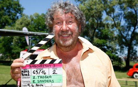 Zdeněk Troška při natáčení filmu Babovřesky.
