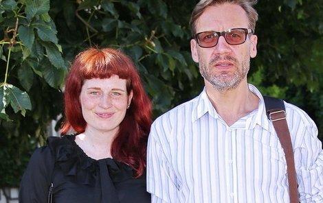 Matásek se svou přítelkyní cukroval ve Valdštejnské zahradě.