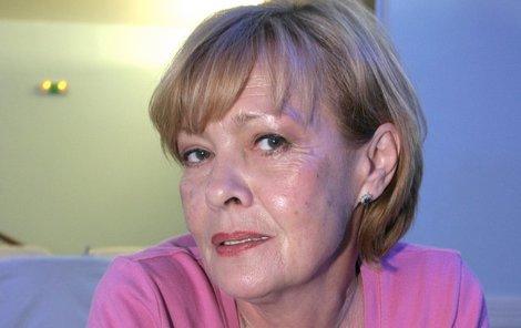 Herečka Jana Šulcová musela pod kudlu, po zákroku musí odpočívat.