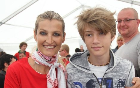 Tereza Maxová a její prvorozený syn Tobias.