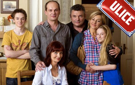 Od Lišků se stěhuje Ema a rodinu čekají další dobrodružství bez ní.