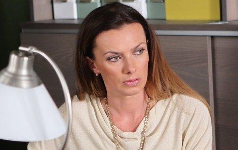 Naštvaná Bendová doufá, že podvodníka policie potrestá.