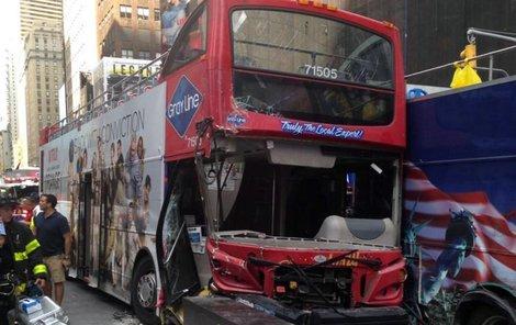 Červený autobus je na odpis.