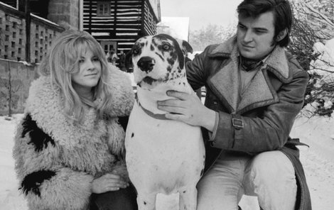 1969: S manželem Jaromírem Mayerem.