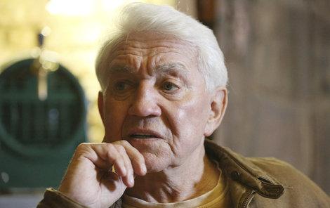 Jiří Krampol je z toho, že nebyl o návratu pořadu informován, trochu rozmrzelý.