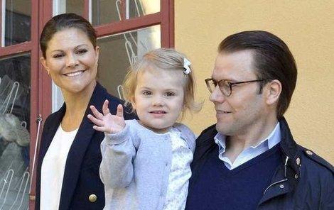 Estelle je v pořadí druhá v nástupnictví na švédský trůn po své matce..