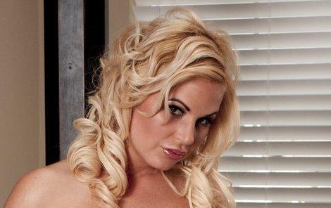 Sexy Karina s vtípkem
