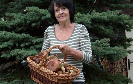 Zdena Hájková se svým úlovkem.