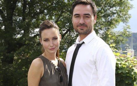 Veronika Nová a její manžel.