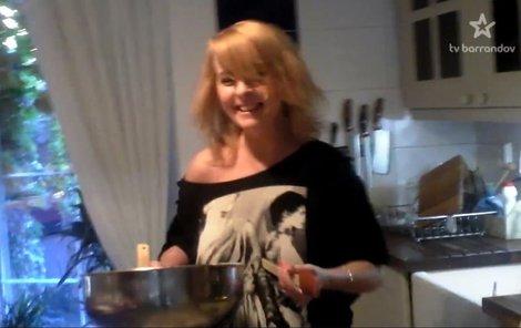 Zvláštní video s Ivetou Bartošovou se objevilo až měsíce po její smrti.