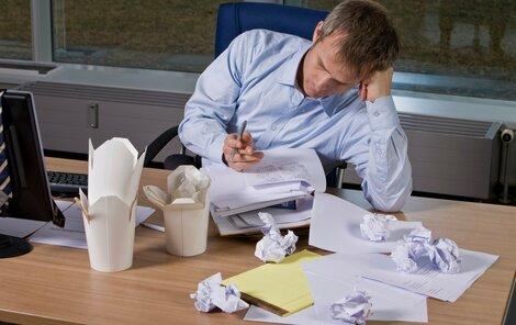 Máte v práci nepořádek? Zaměstnavatel vás může vyhodit.