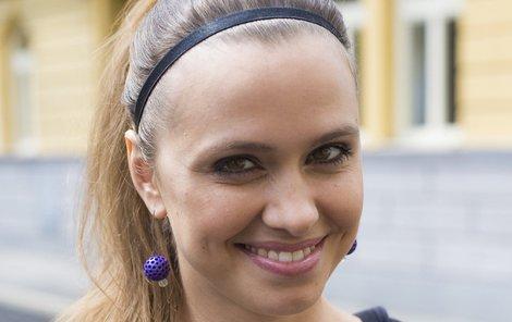 Zuzana Vejvodová jako Libuška v seriálu Ulice končí.