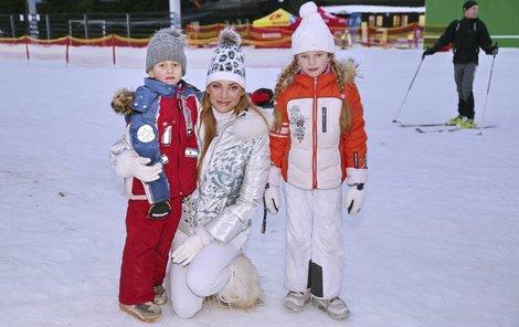 Verešová s dcerou Vanessou a synem Danielem.