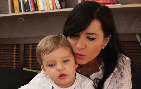 Nad knížkou s malým Adriánkem.