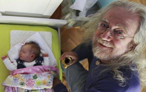 Přestože už má dospělé děti, u porodu byl s Theodorou poprvé.