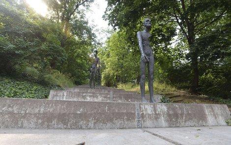 Pomník obětem komunismu od sochaře Olbrama Zoubka v Praze pod Petřínem.