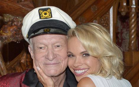 Ložnicí mu prošly tisíce žen včetně jeho o 60 let mladší manželky Crystal.