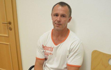 Petr Mates viní nemocnici z toho, že má kvůli špatné léčbě nevratné následky zranění ramene.