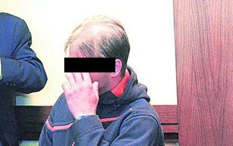 Martin S., obžalovaný ze znásilnění dcery své známé.