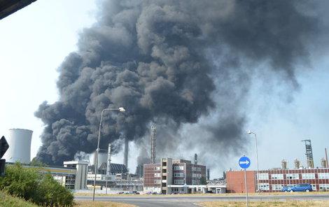 Takhle to na místě vypadalo krátce po výbuchu.