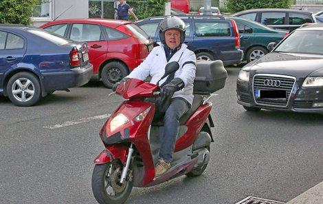 Po nehodě se dlouho bál jezdit. Dneska je prý opatrnější.