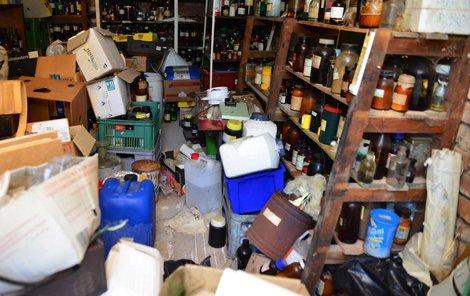 Tento nenápadný dům byl ve skutečnosti skladištěm neuvěřitelného množství nebezpečných látek.