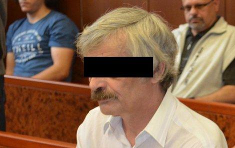 Jiří L. včera u soudu vinu odmítal.