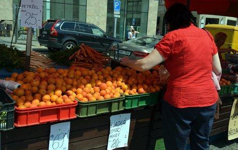 Když si půjdete koupit na trh třeba meruňky, obejde se to bez pokladny...