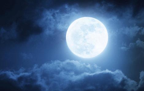 Měsíc v plné kráse je sám o sobě magický, mnozí během této noci pořádně divočí. Opravdu za to může jen úplněk?