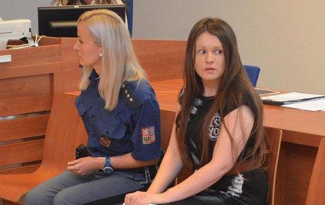 Orlová se u soudu tvářila jako neviňátko, je ale stále nebezpečná.