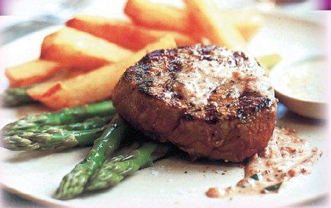 Biftek s tapenádou chutná báječně!