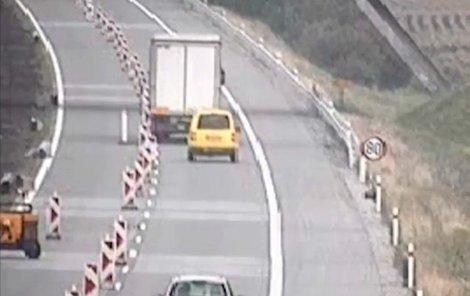 Kamioňák jel doleva...