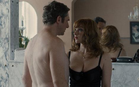 Vica se svým rakouským filmovým milencem Johannesem opět odhalí svá prsa.