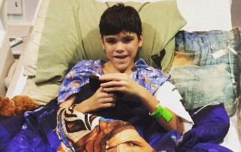 Colbyho (13) krkavčí matka ukazovala v televizi a posílala ho na zbytečné operace.
