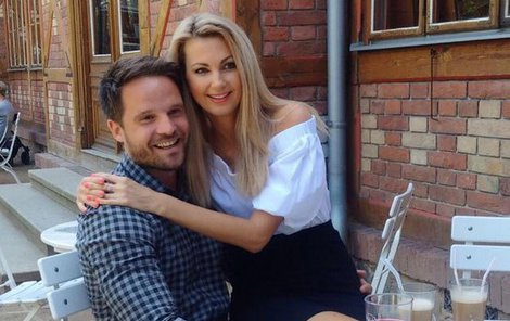 Sandra Parmová a její nový přítel Pavel.
