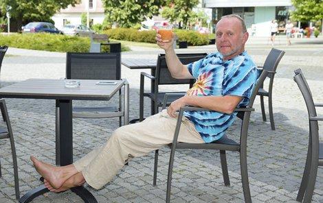 Herec Jaroslav Dušek vypráví o svém životě velmi poutavě.