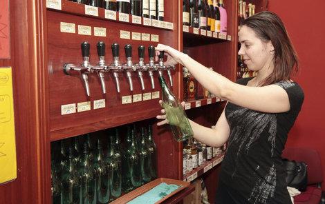 Nekupujte vinný nápoj!
