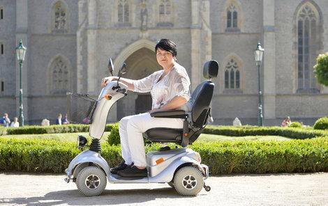 Jana Flechtnerová je kvůli nemoci CMT upoutána na invalidní vozík.