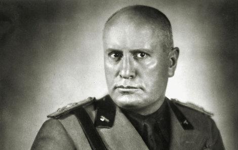 lara okouzlila Mussoliniho, když jí bylo pouhých 20 let? On byl v té době ženatý a měl pět dětí.