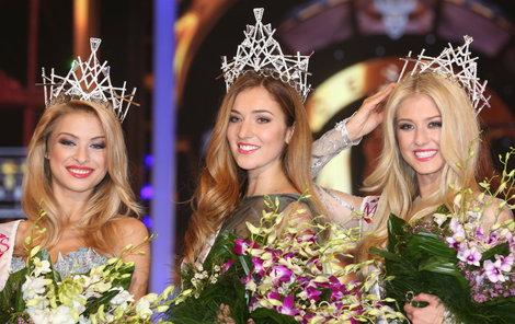 Tohle byly poslední vítězky České Miss Kristýna Kubíčková, Andrea Bezděková a Natálie Kotková (zleva) na Primě.