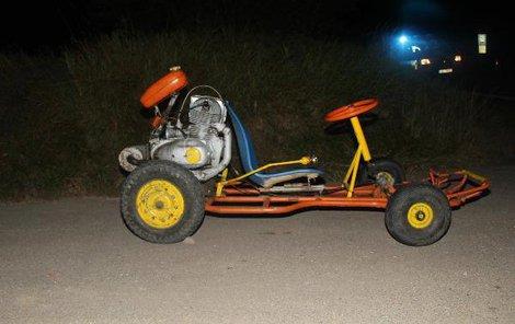 Jízda na podomácky vyrobené motokáře se alkoholem opojenému řidiči nevyplatila.