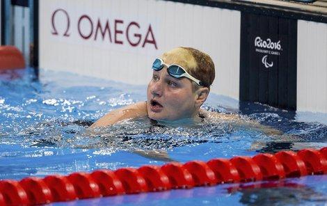 Plavkyně Běla Třebínová prolomila pětidenní české čekání na medaili z Ria. Návrat k závodění se vyplatil.