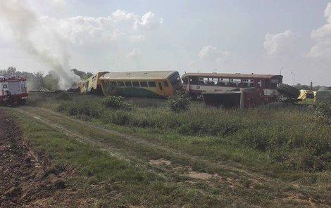 Řidič traktoru na místě zemřel.