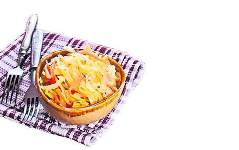 Tip: Čalamádu podáváme především jako pikantní přílohovou zeleninu. Kromě toho ji přidáváme do salátů nebo pomazánek. Můžeme s ní připravovat dušené, pečené nebo zapékané maso, nádivky a náplně do masitých jídel nebo slaných koláčů, neztratí se ani při přípravě polévek nebo omáček.